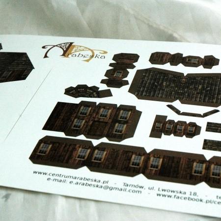 Papier do makiet - Drewniany kościółek, wzór I